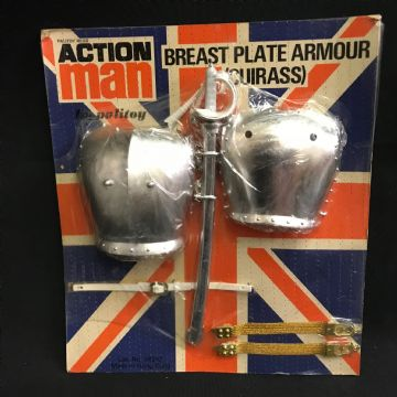 ACTION MAN - BREAST PLATE ARMOUR (CUIRASS)  - VINTAGE CARDED (ref3)